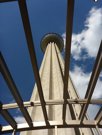 Chart House Tower Of The Americas