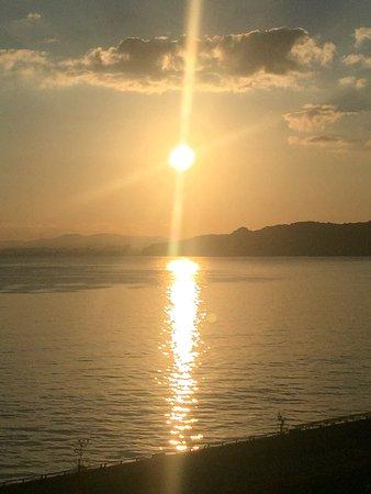 Seaside Hotel Mimatsu OOETEI : 露天風呂から別府湾から出る日の出が見れます