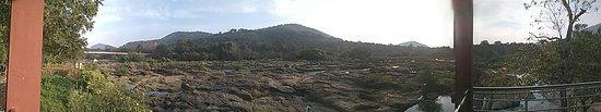 Thumboormuzhi Dam & Garden