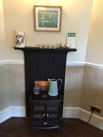 Rosemary Bed & Breakfast: Heater in breakfast area