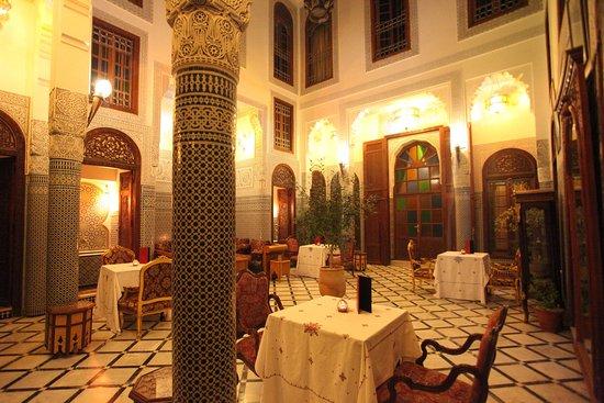 塔赫拉庭園飯店