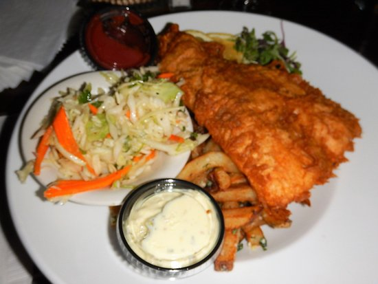 Captain Daniel Packer Inne Restaurant and Pub : Delicious Fish & Chips with truffle fries!