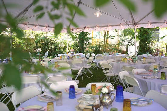 Hillsborough, NC: Tables set up in the corner of the back yard. Photo taken by Mary Mincey Photography.