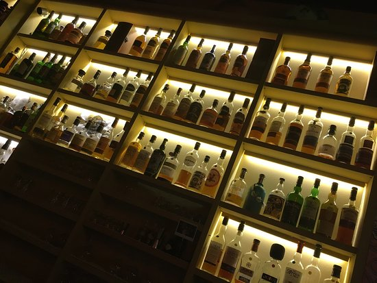 O'Flaherty's Irish Pub : Un grand nombre de whisky