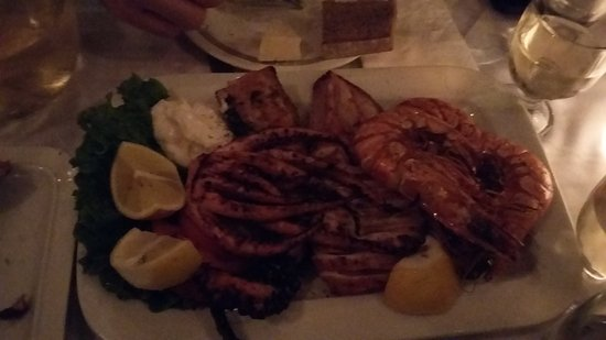 Stamatopoulos Tavern: 20161125_205304_large.jpg