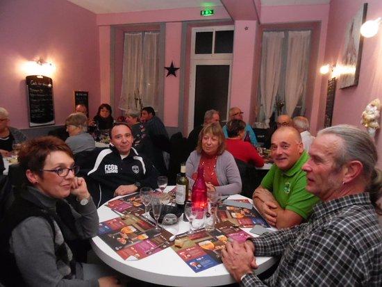 Piegut-Pluviers, Fransa: groupe des cyclos et leur compagnes