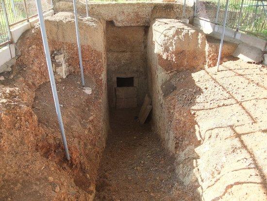Ascoli Satriano, Italy: tomba