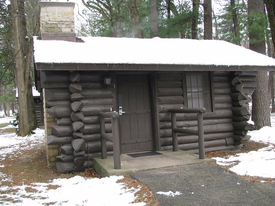 Mount Morris, IL: The handicapped accessible cabin