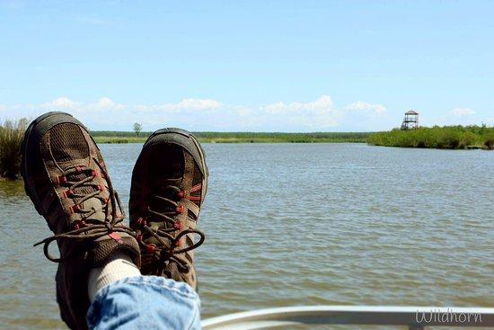 Poti, Gürcistan: relaxing on the boat in pichori river
