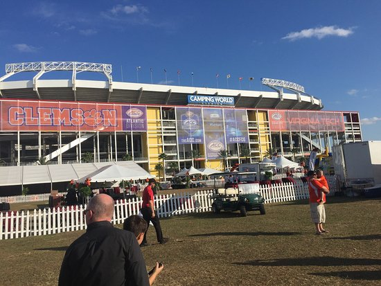 20161231 121807 large picture of camping world stadium