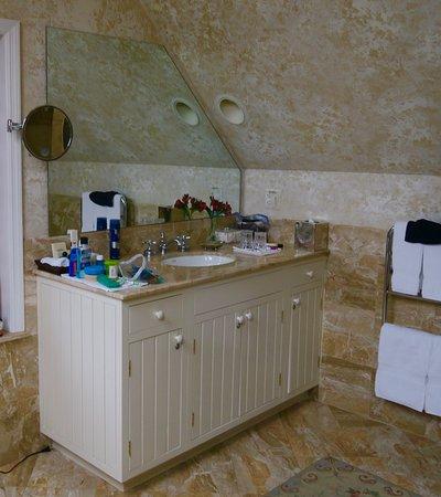 Inn at Montchanin Village: Vanity