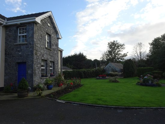 Tulla, Irland: Lovely Gorteen Farmhouse