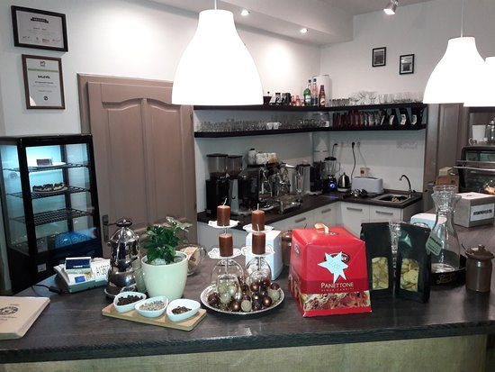 Bonyhad, Hongrie : Nice snacks and cakes ,it was a great combination with coffee.