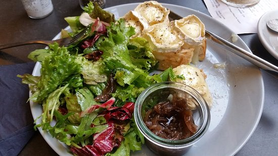 Oliv Cafe: Warm Goats Cheese on Baguette with homemade onion relish