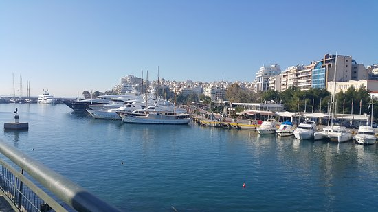 Piraeus Inn
