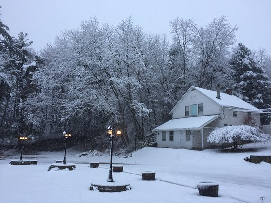 Blackberry River Inn: View of the Cottage during a recent snowfall