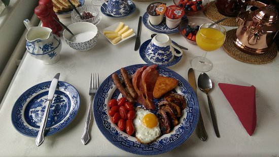 Leena's Guest House : The King's Breakfast