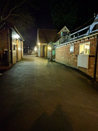 Cherwell Boathouse Restaurant: Way in to the Cherwell Boathouse