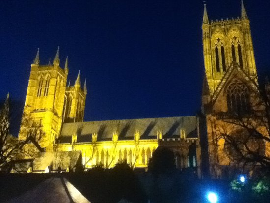Lincoln Christmas Market: Lincoln Cathedral taken from the Medieval Bishop's Palace grounds