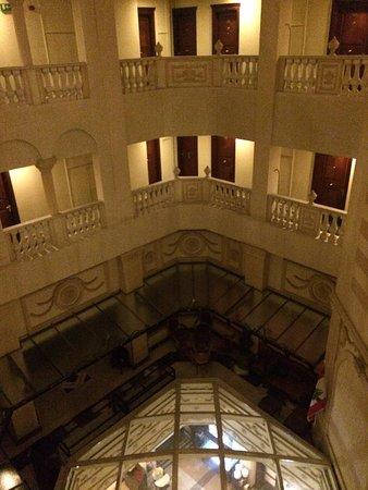 Le Commodore Hotel: vestíbulo