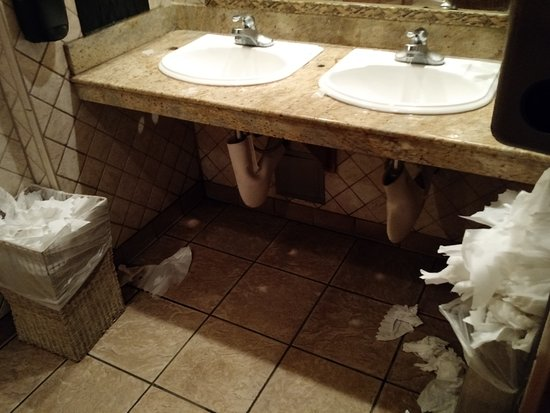 olive garden mens restroom in need of a serious cleaning - Olive Garden Sacramento