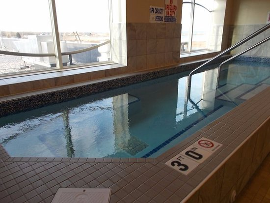 Warroad, MN: Seven Clans - hot tub spa on second floor