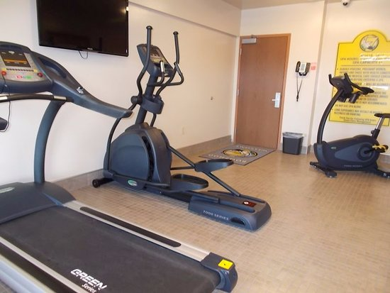 Warroad, MN: Seven Clans - second floor workout room with hot tub
