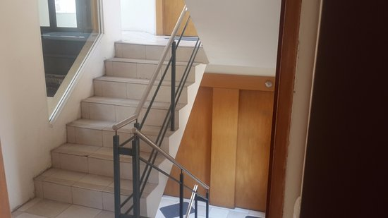 rio grande apart hotel escaleras de acceso de entrepisos