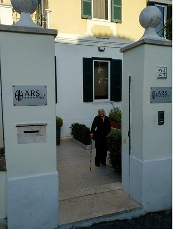 ARS Hotel : Ars entrance