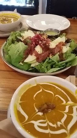 Placerville, CA: Soup and salad
