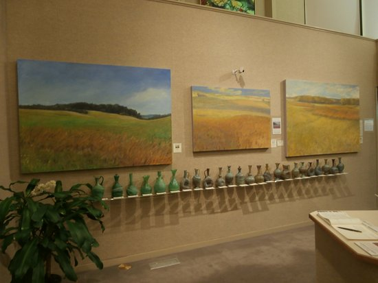 Saper Galleries and Custom Framing : Front of east gallery with Michael Callihan paintings and Hebron Glass