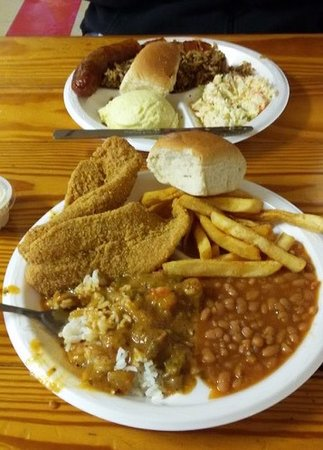 Poche Market & Restaurant: Plate lunch specials at Poche Market and Restaurant