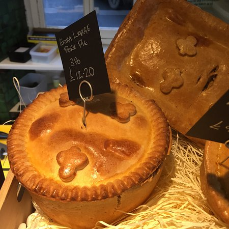 Helmsley, UK: Only 2 of many many meat pies.