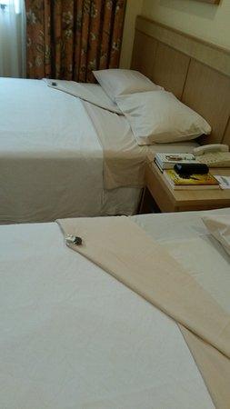 Windsor Florida Hotel: Cama preparada para a noite.