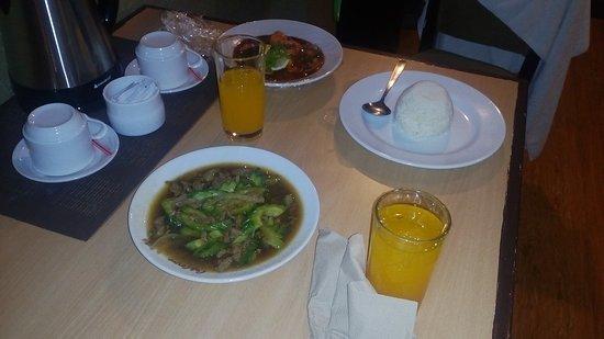 Hotel La Corona de Lipa: IMG_20161210_192601_large.jpg