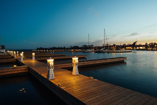 Quinte West, Kanada: Trent Port Marina - Evening (Photo Credit: Johnny Lam)