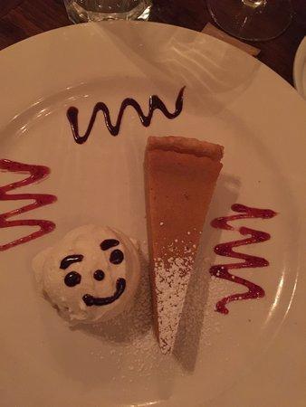 Fragole Ristorante : Delicious pumpkin pie with whipped cream. Yummy!