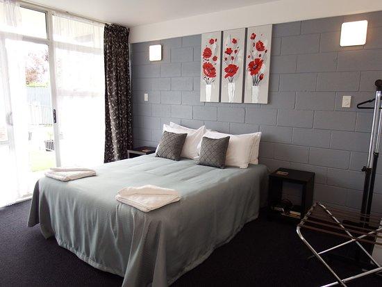 Raceway Motel: Room 805