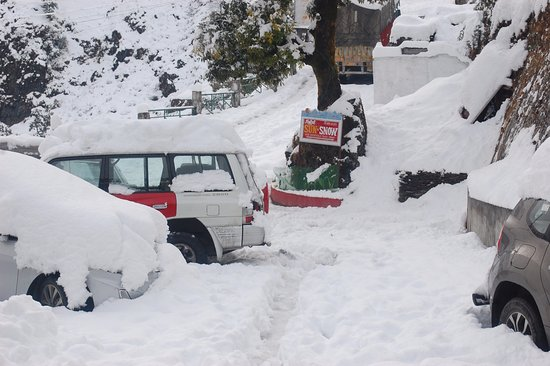Image result for pic mussoorie covered in snow
