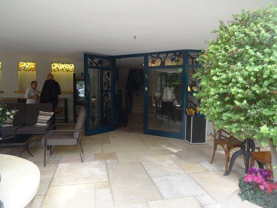 Arbel Suites Hotel: Entrance