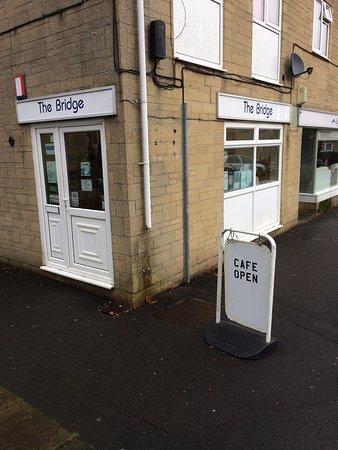 Bridge Cafe: Very friendly cafe. Selwood Road