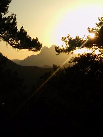 Hostal Rural Falgars : Vista del Pedraforca desde el Mirador