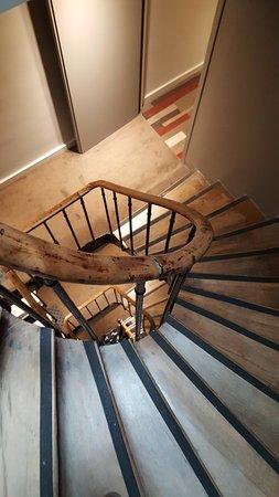 Ibis Paris Avenue de la Republique: Internal staircase