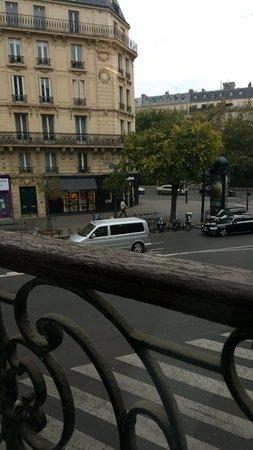 Ibis Paris Avenue de la Republique: View from room, level 1