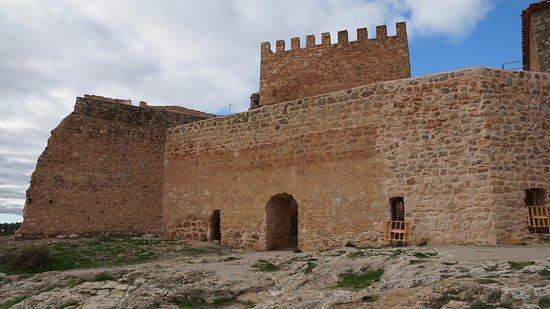 Castillo de Penarroya: Parte de las murallas.