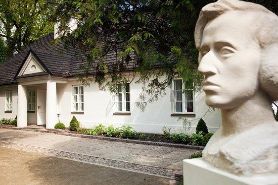 Zelazowa Wola, Polandia: Chopin's Birthplace outside