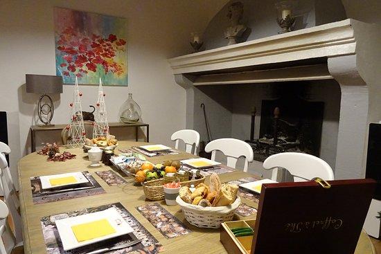 Nages-et-Solorgues, França: salle à manger