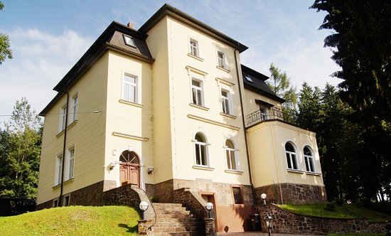 Parkhotel Muldental Colditz Germany Apartment Reviews