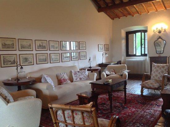 Pergine Valdarno, Itália: Villa il Castellarino - salotto