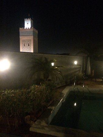 Riad Awa: Pool + view